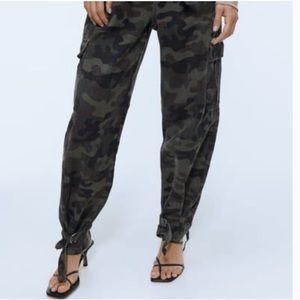 NWT Zara High Waisted Camo Cargo Pants sz 2